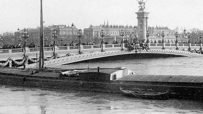 Le pont Alexandre III (doc. archives de la préfecture de police de Paris)